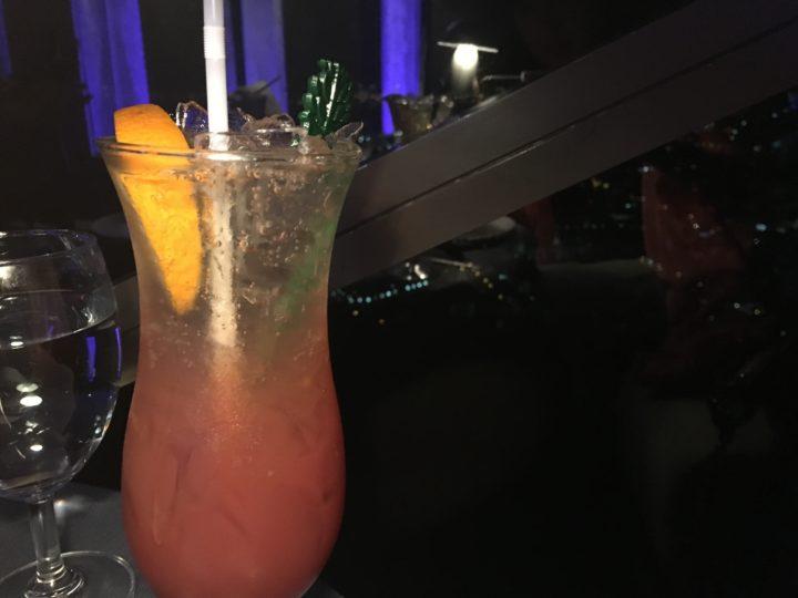 ルーフトップレストラン「Vertigo」のカクテル
