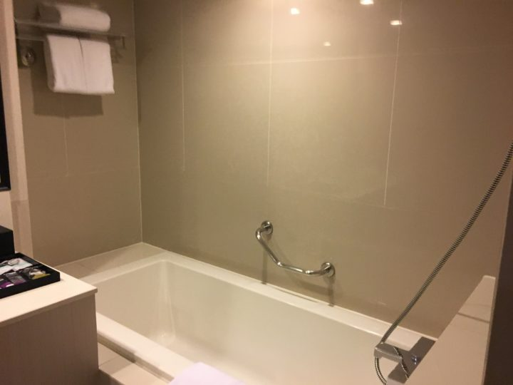 メルキュールバンコク スクンビット11の浴槽