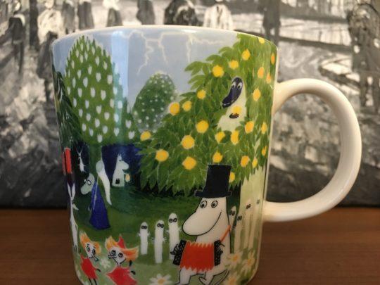 タンペレのムーミン美術館のショップで購入した限定デザインマグカップ