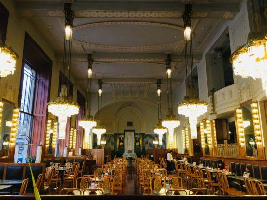 プラハ 市民会館 レストラン