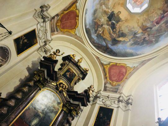 プラハ城 聖イジー教会 クリスマスマーケット