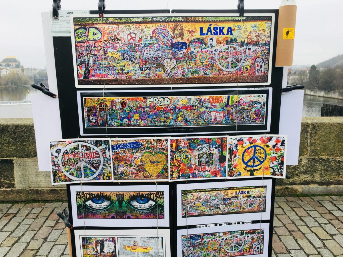 プラハのカレル橋で売られている絵