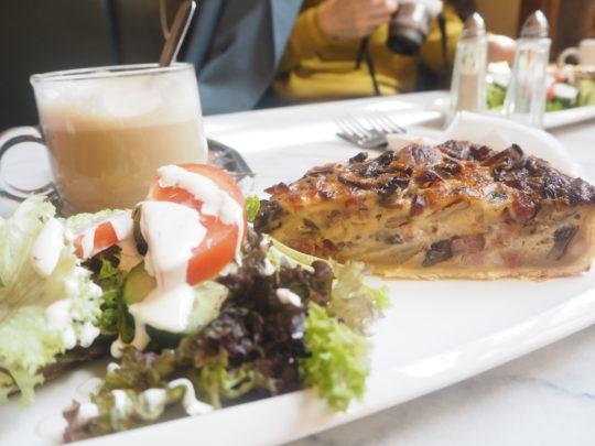 """ブリュッセルでおすすめカフェ""""ARCADI CAFE""""の朝食"""
