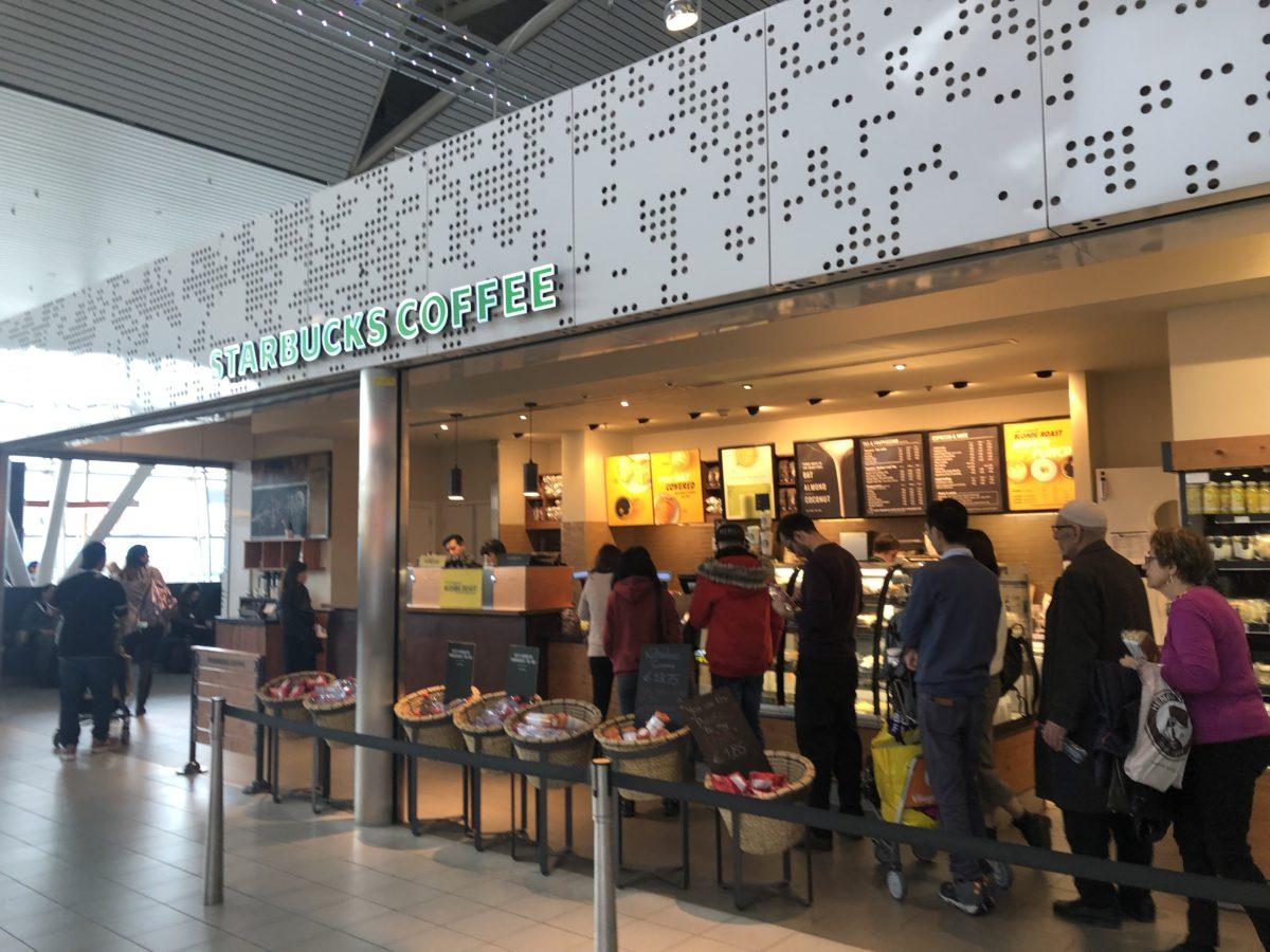 スキポール国際空港出国後のスタバ店舗