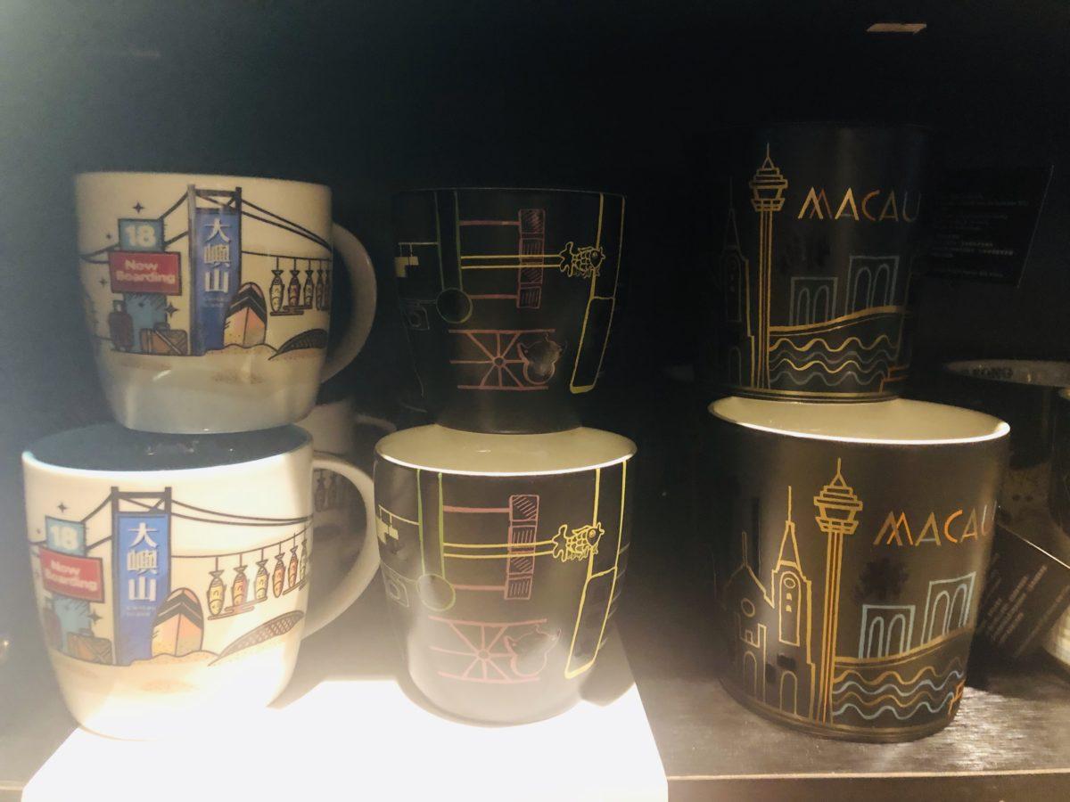 マカオデザインのスタバのマグカップ