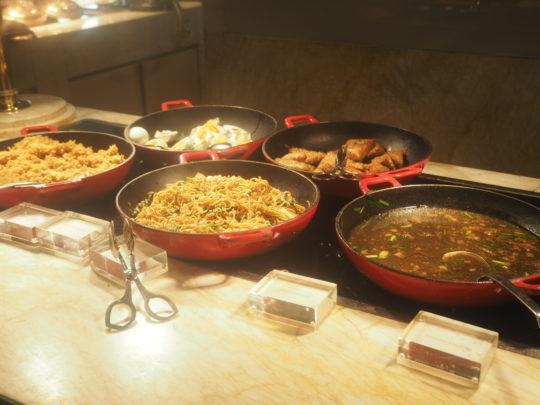 ムリアリゾート ザ・カフェのビュッフェ朝食 インドネシア料理