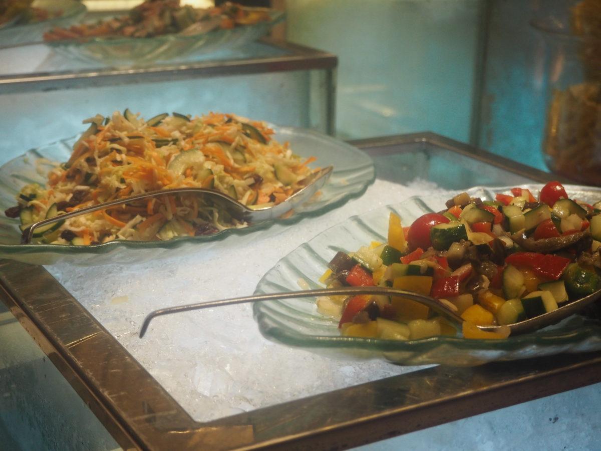 ムリアリゾート ザカフェのサラダ