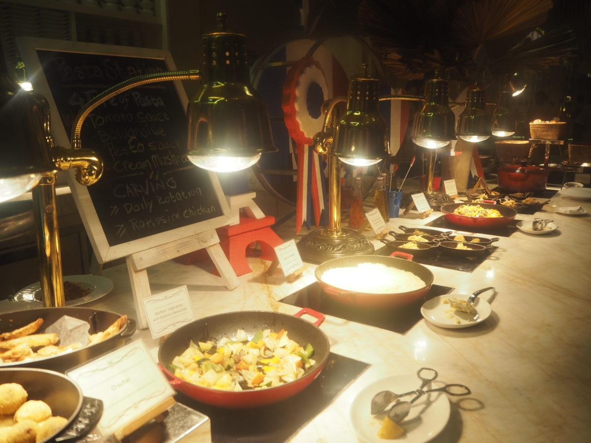 ムリアリゾート ザカフェ ディナー 洋食