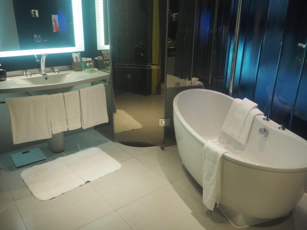 タイのWバンコクホテルのバスルーム