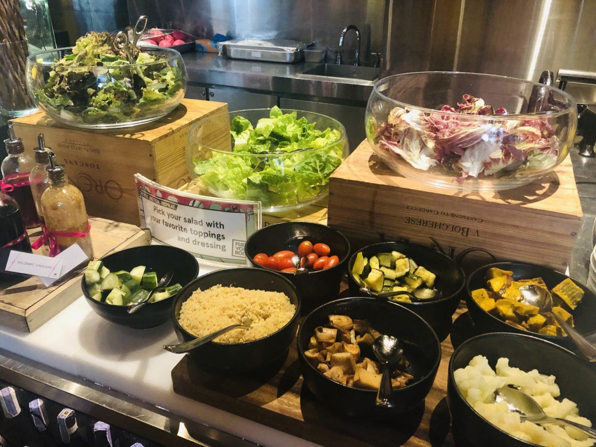 タイのWバンコクホテルの朝食 サラダ