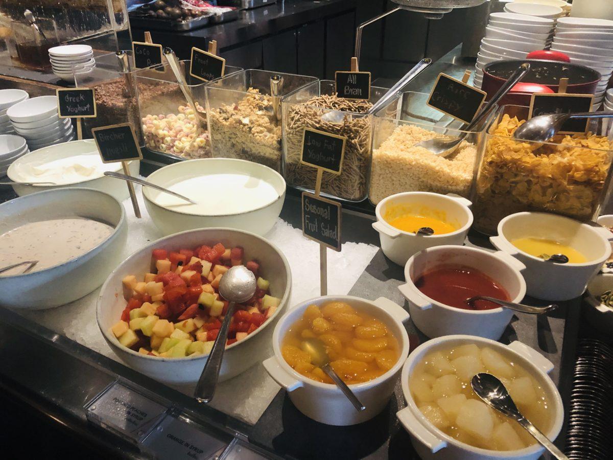 タイのWバンコクホテルの朝食 シリアル
