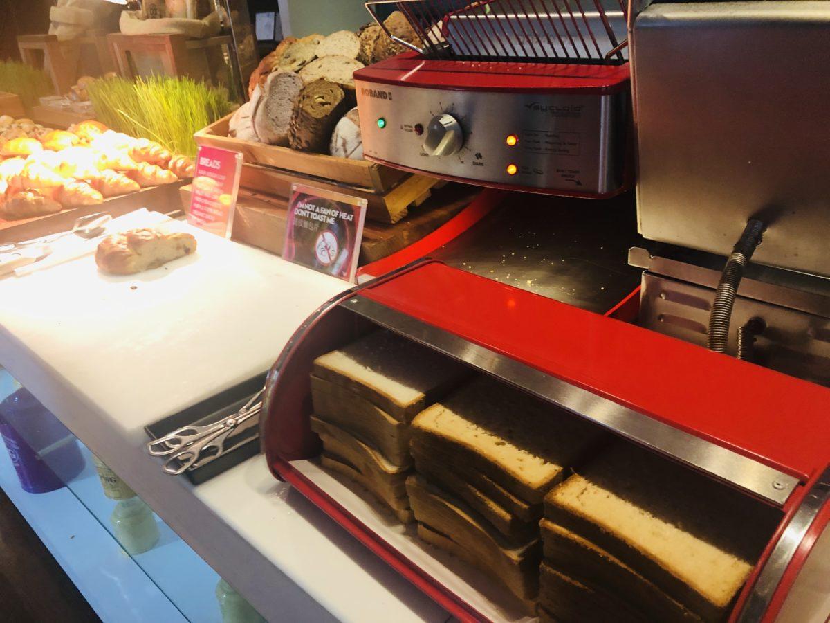 タイのWバンコクホテルの朝食 パン