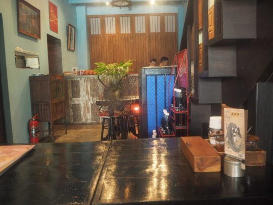 バンコクのレストラン「バーン・パッタイ」の雰囲気