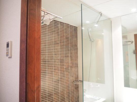 バルセロナの「ホテルリアルト」のシャワールーム