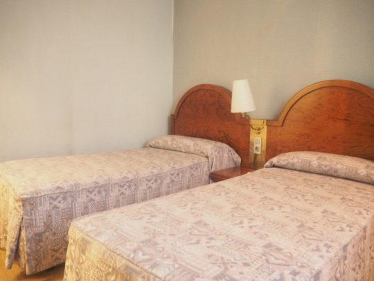 バルセロナの「ホテルリアルト」のベッド