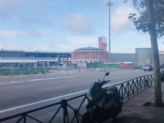 マドリードのアトーチャ駅前