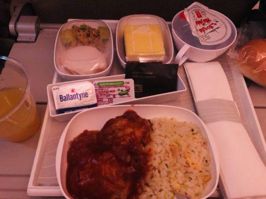 エミレーツ航空の機内食(夕食)
