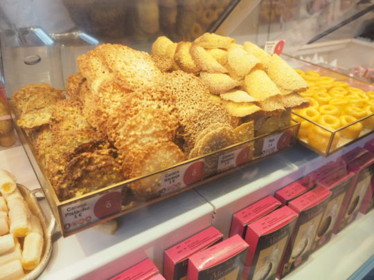 サンミゲル市場のクッキー屋さん