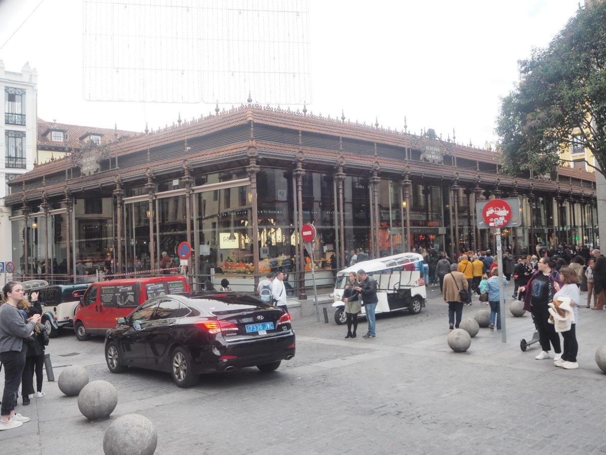マドリードのサンミゲル市場は屋内市場