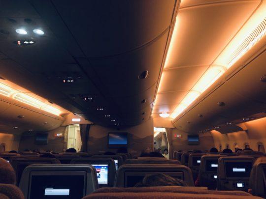 エミレーツ航空機内・座席(エコノミークラス)