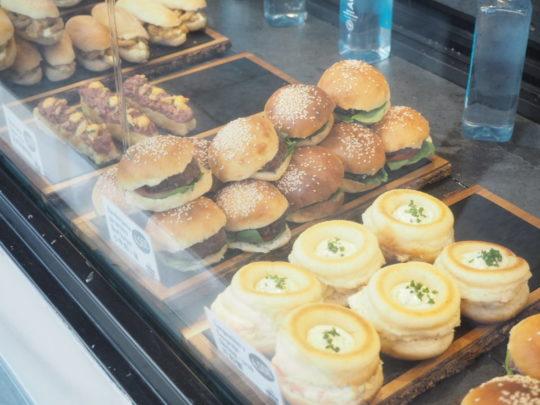 サンミゲル市場のハンバーガー