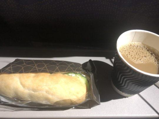 エミレーツ航空の軽食