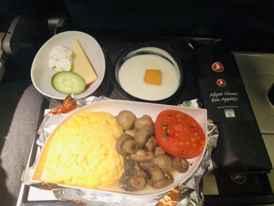 トルコ航空(ターキッシュエアラインズ)の機内食(朝食1:成田→イスタンブール )