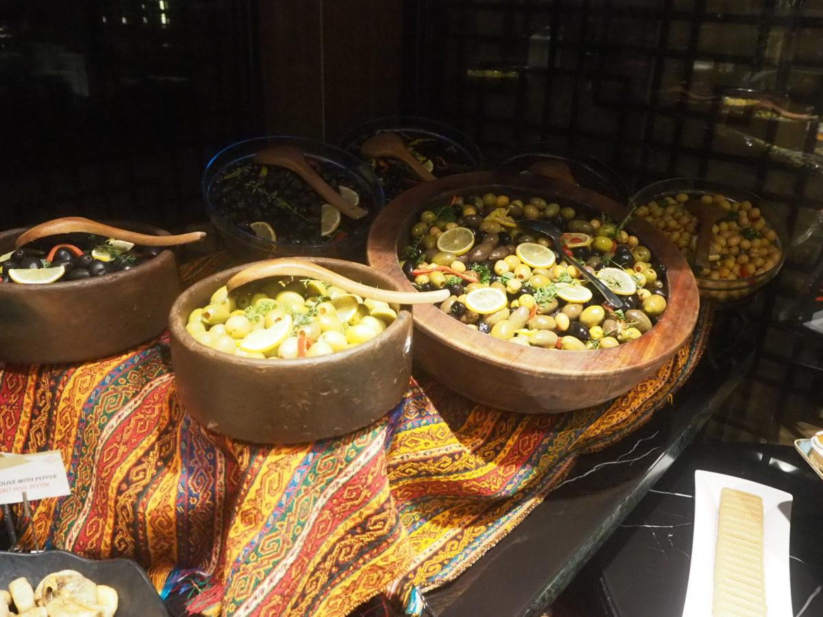 スラハギアソフィアホテル(Sura Hagia Sophia Hotel)の朝食オリーブ