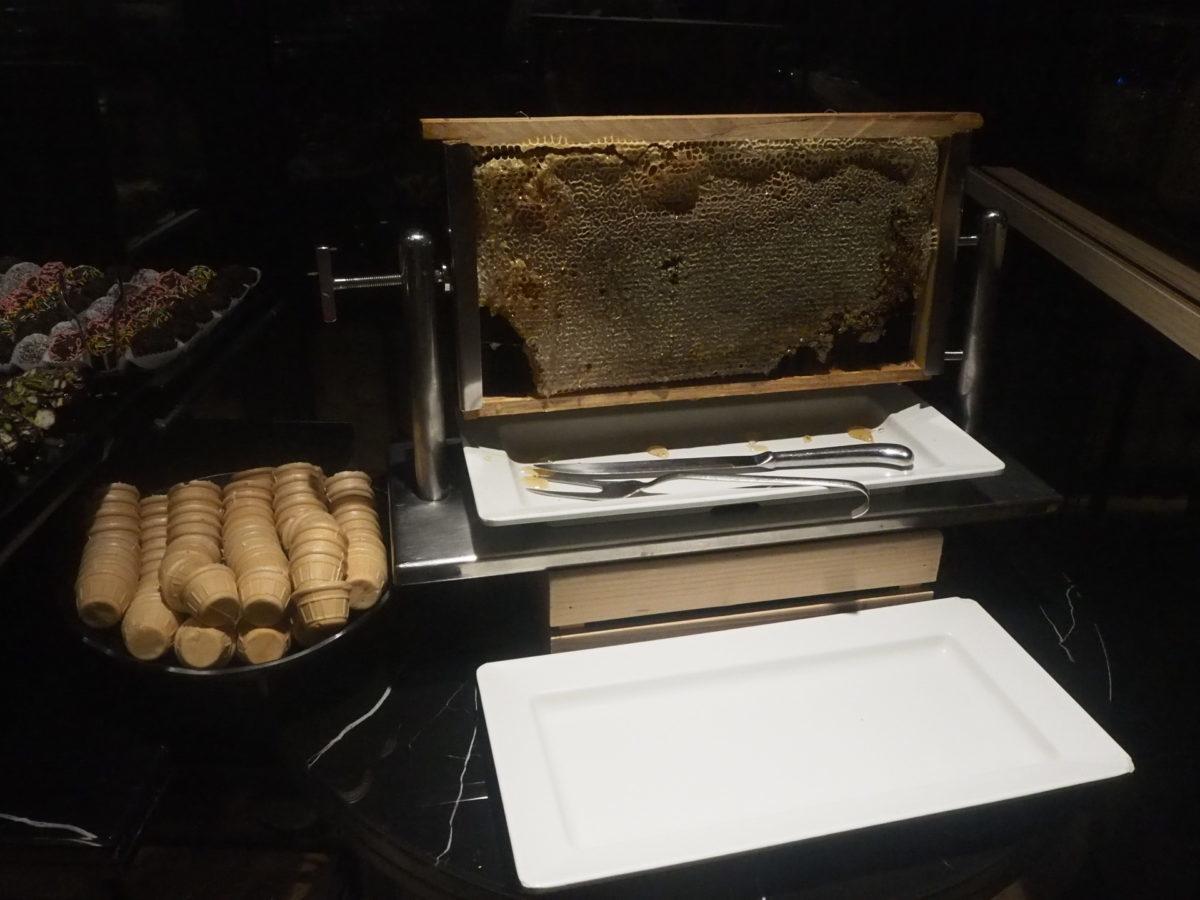 スラハギアソフィアホテル(Sura Hagia Sophia Hotel)の蜂の巣
