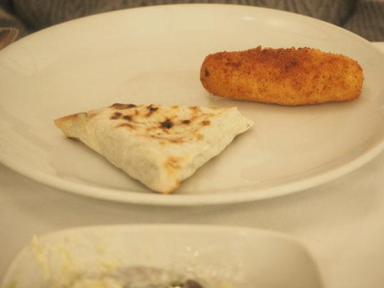 イスタンブールのトルコ料理レストラン「ギリットリ」のチーズ料理
