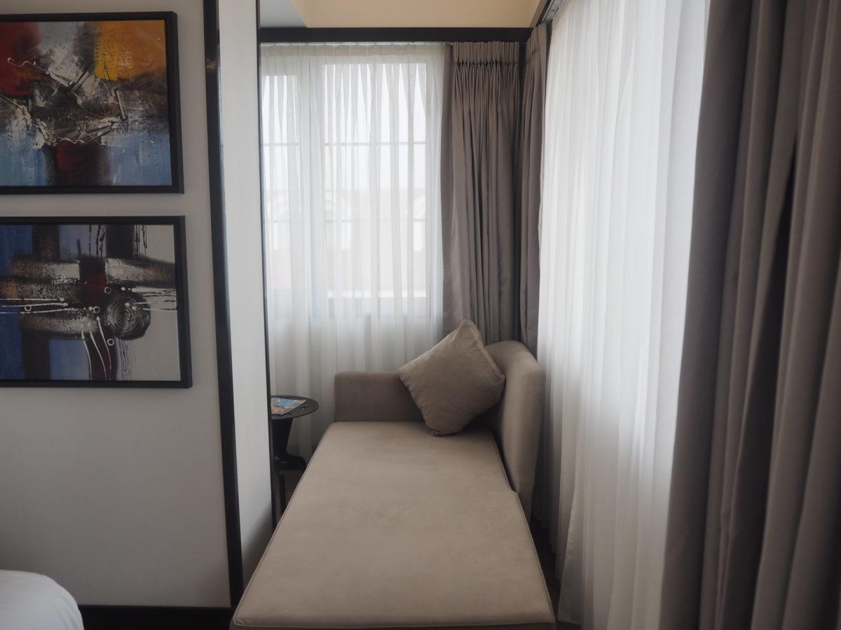 スラハギアソフィアホテル(Sura Hagia Sophia Hotel)のデラックスルームのソファ