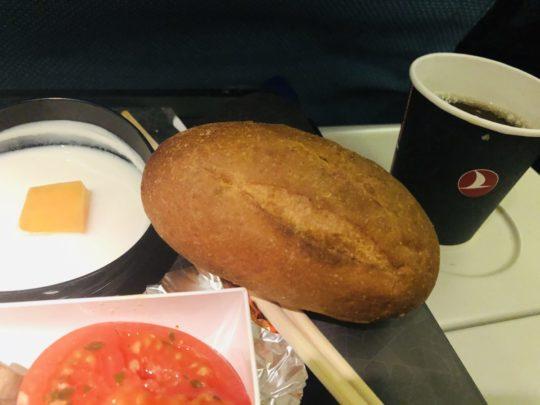 トルコ航空(ターキッシュエアラインズ)の機内食のパン2