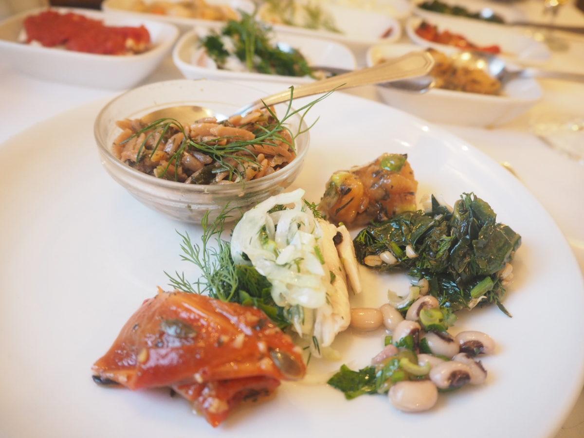 イスタンブールのトルコ料理レストラン「ギリットリ」のディナー
