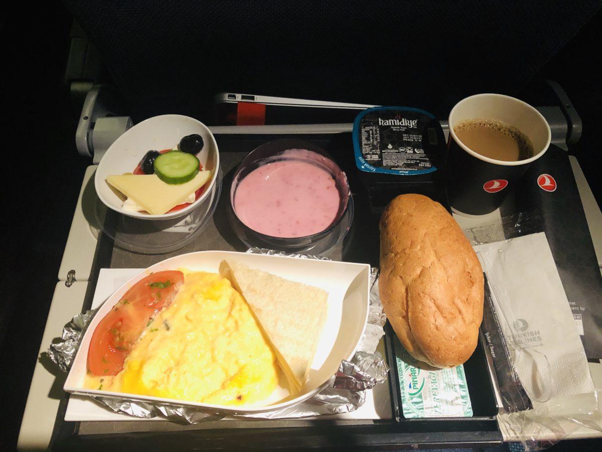 トルコ航空(ターキッシュエアラインズ)tk0052便の夕食