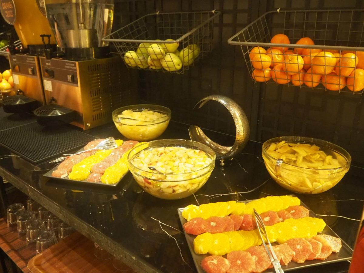 スラハギアソフィアホテル(Sura Hagia Sophia Hotel)の朝食フルーツ