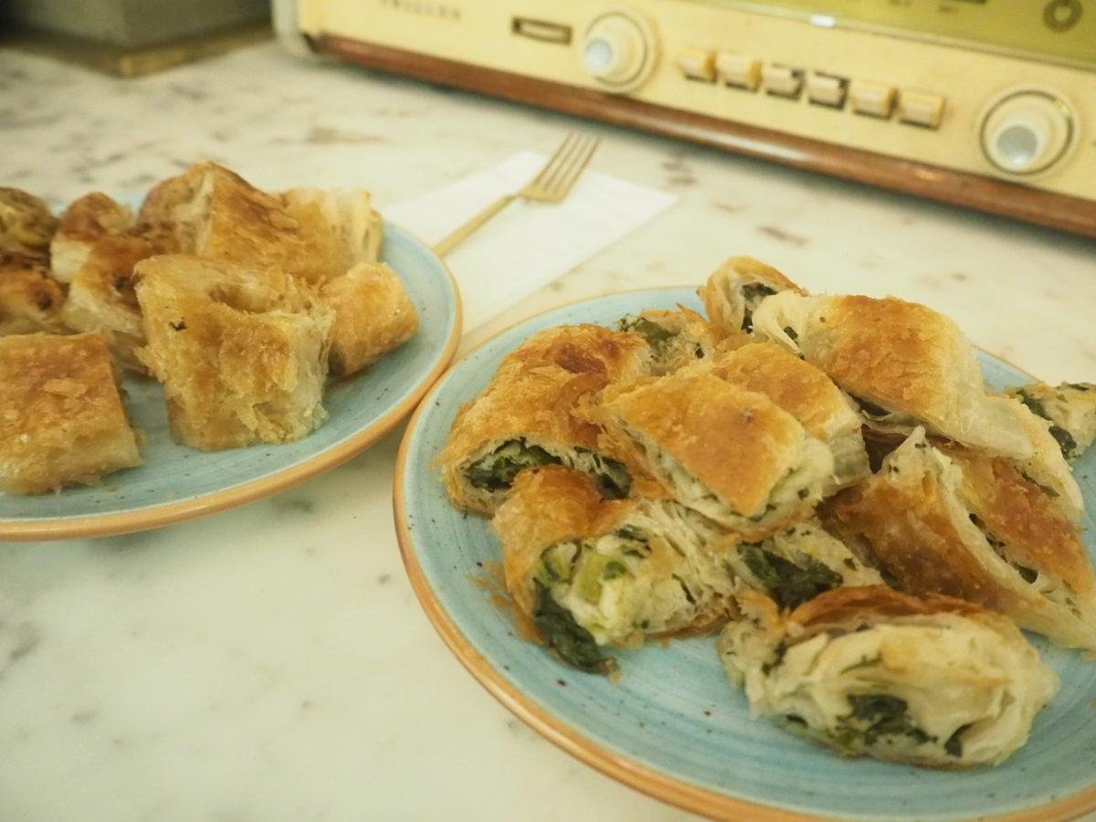 トルコの伝統的パン ほうれん草の「ボレキ」