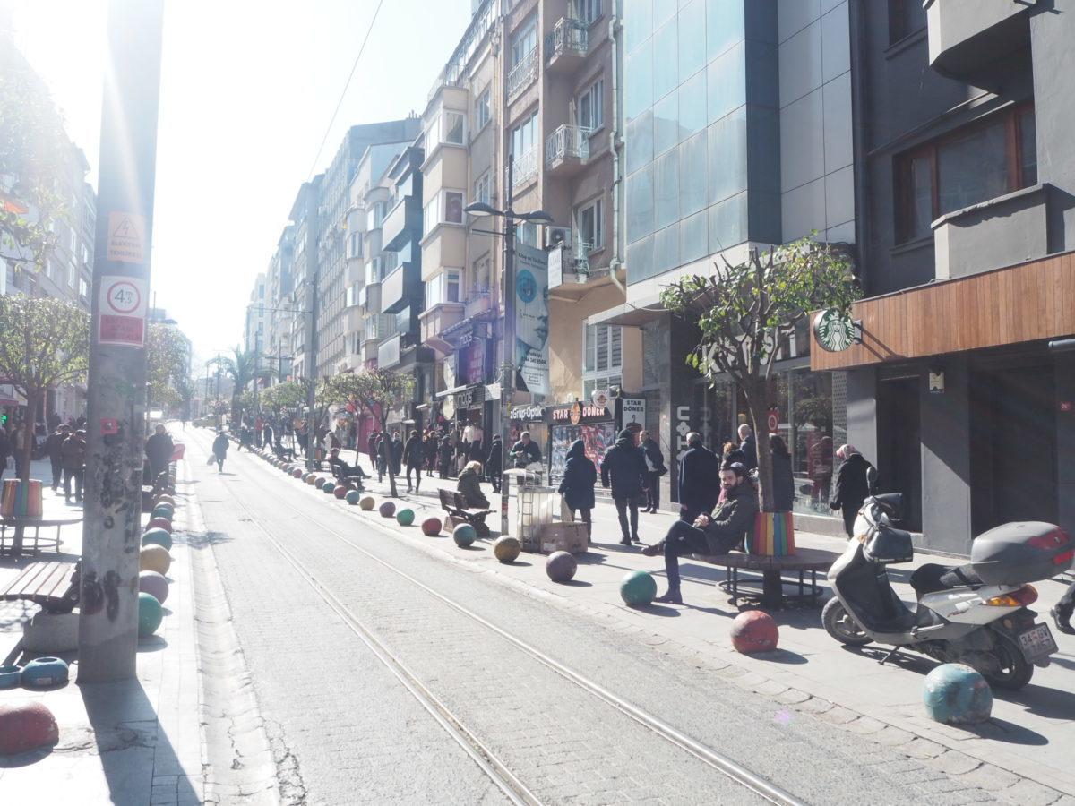 イスタンブールアジア側のトラム線路
