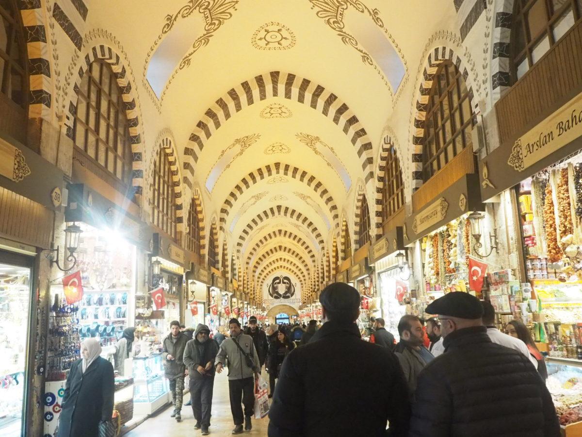 イスタンブール旧市街のエジプシャンバザール