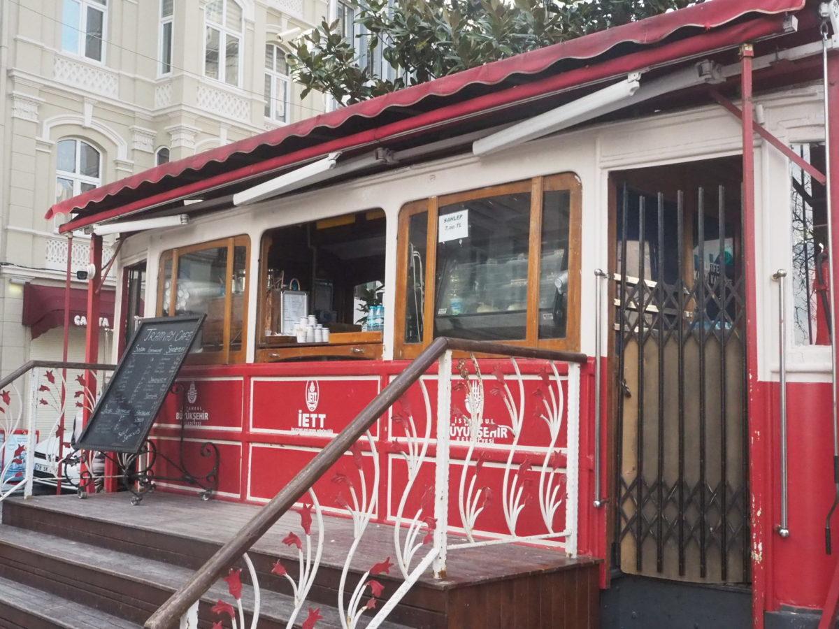 トルコの電車のカフェ