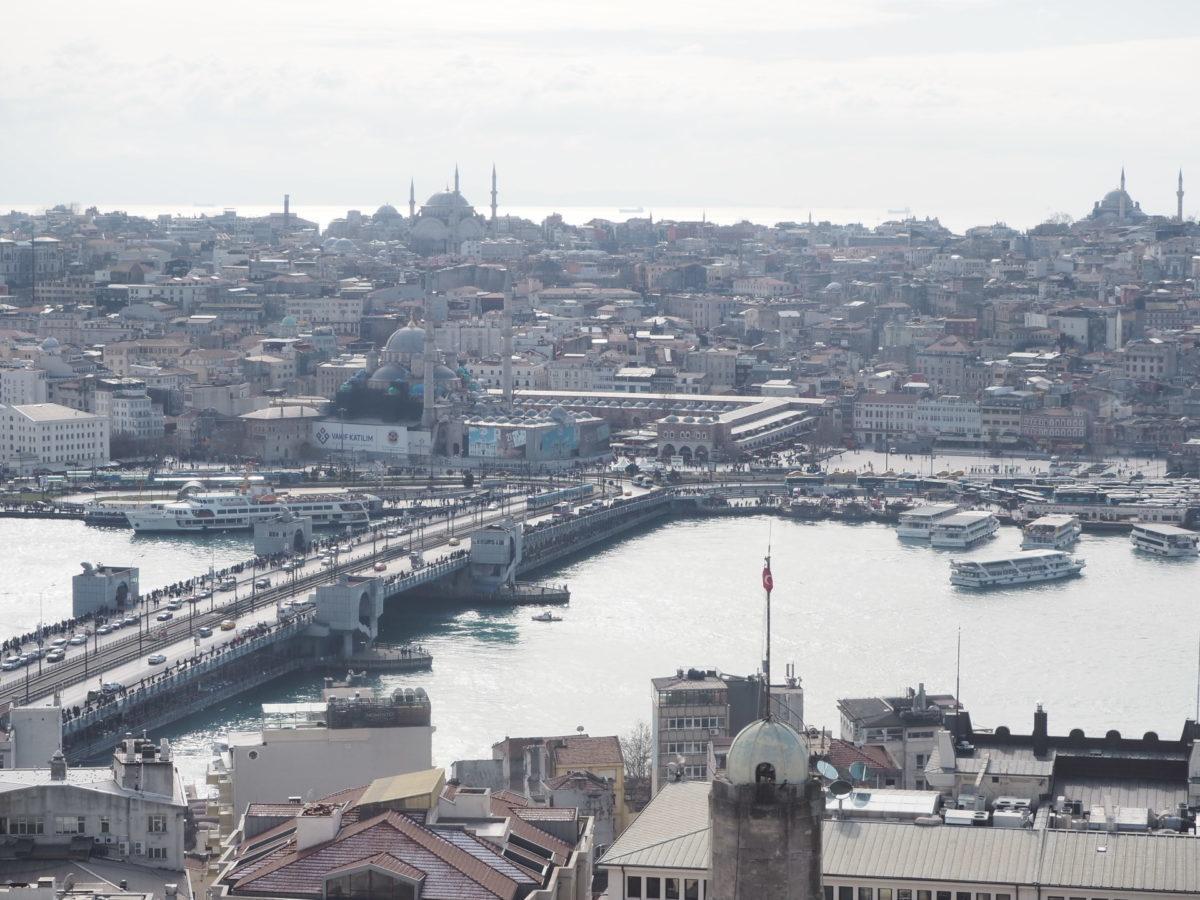 ガラタ塔から見たイスタンブールのガラタ橋