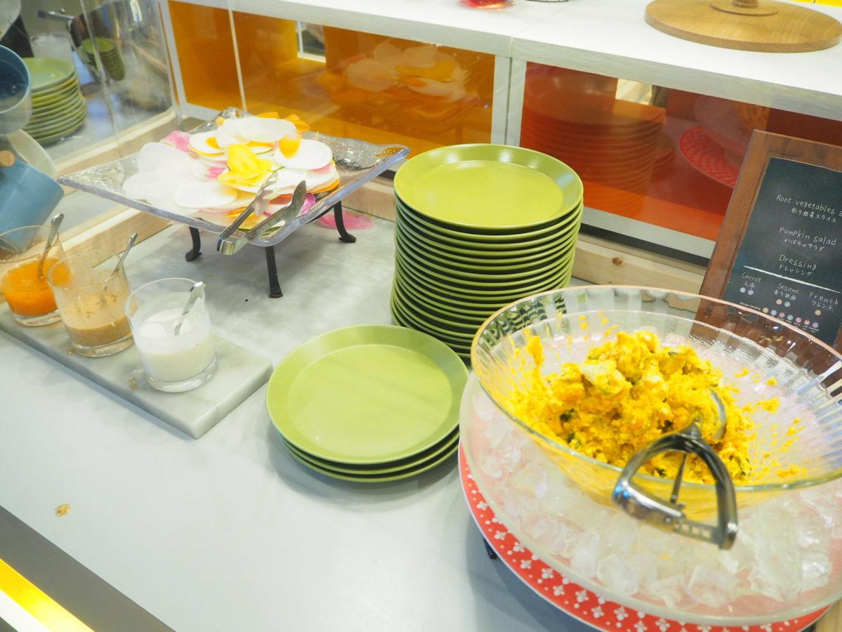 星野リゾートOMO7の朝食のカボチャサラダ