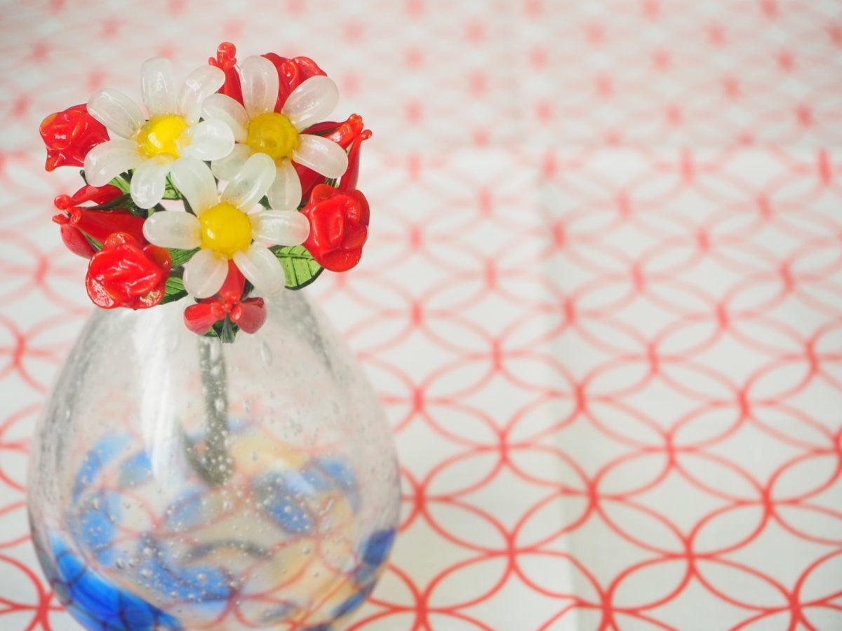 ガラスで作られた花束