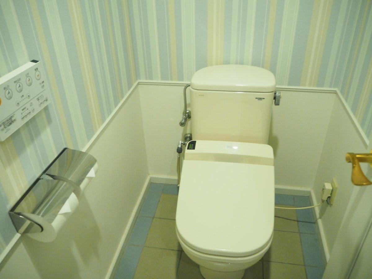 ホテルアムステルダムのスーペリアルームのトイレ