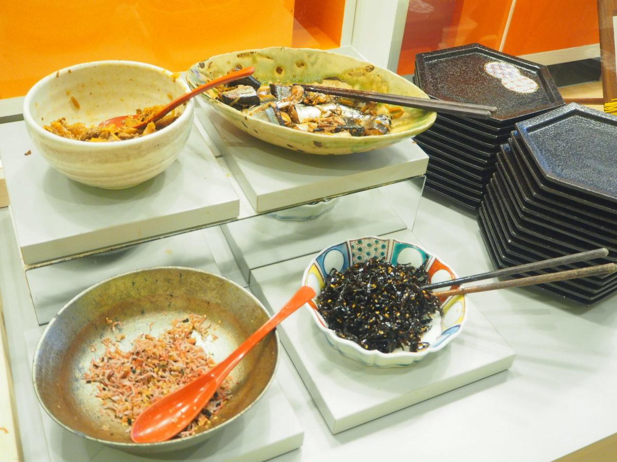 星野リゾートOMO7の朝食のご飯のお供コーナー
