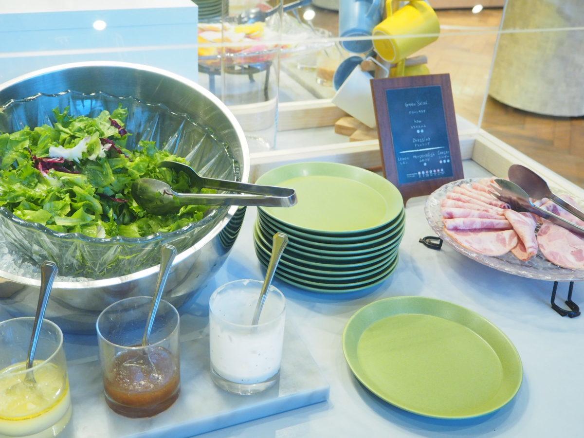 星野リゾートOMO7の朝食のサラダバー