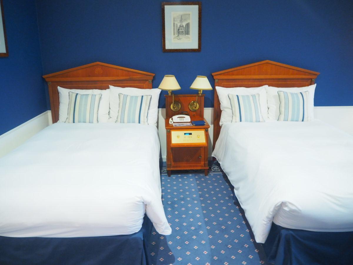 ホテルアムステルダムのスーペリアルームのベッド