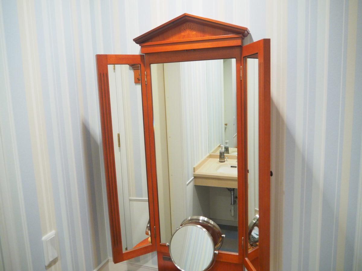 ホテルアムステルダムのスーペリアルームの化粧台